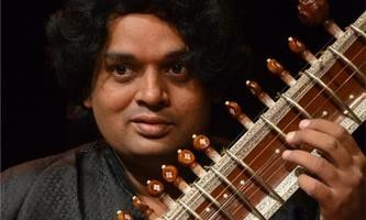 11th Generation Sitar Player In Concert