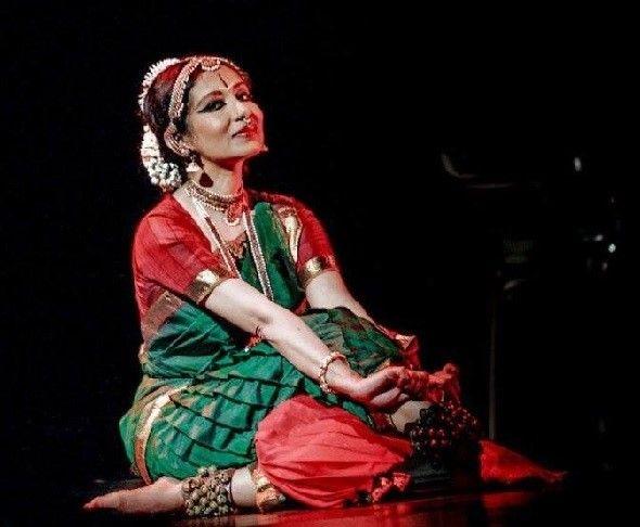 Alarmel Valli Bharatanatyam Performance