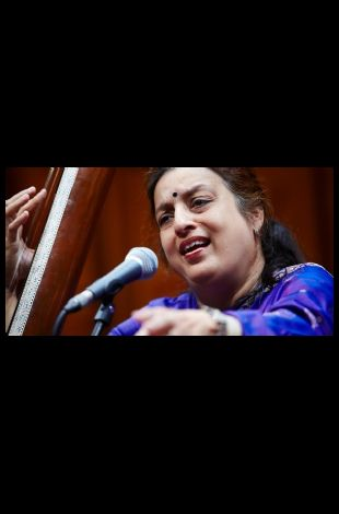 Ashwini Bhide Deshpande in Concert